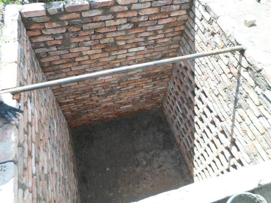 Как сделать сливную яму для дома 498